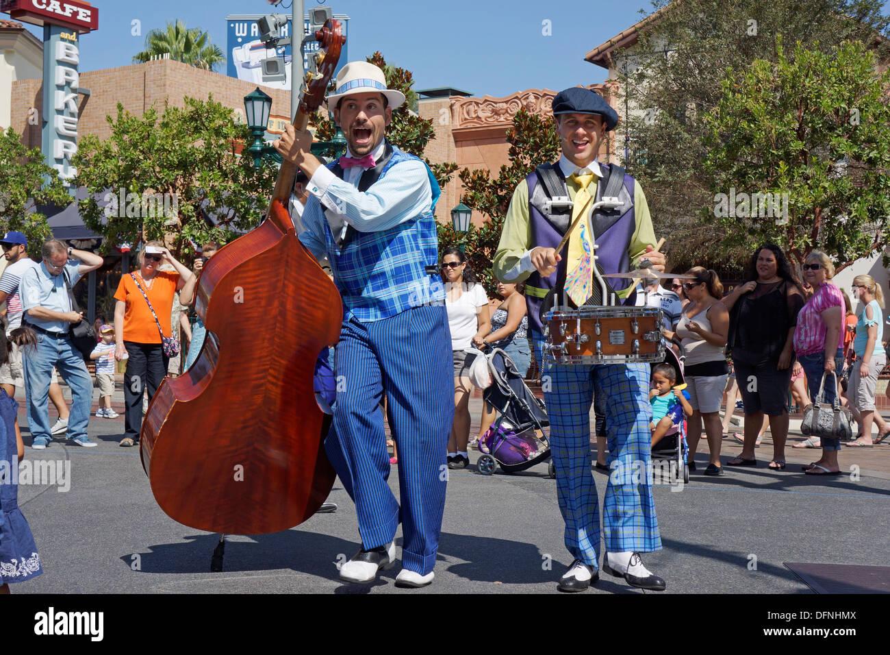 Live-Outdoor-Entertainment, Show von fünf und Dime, Disneyland, California Adventure Park, Anaheim Stockbild