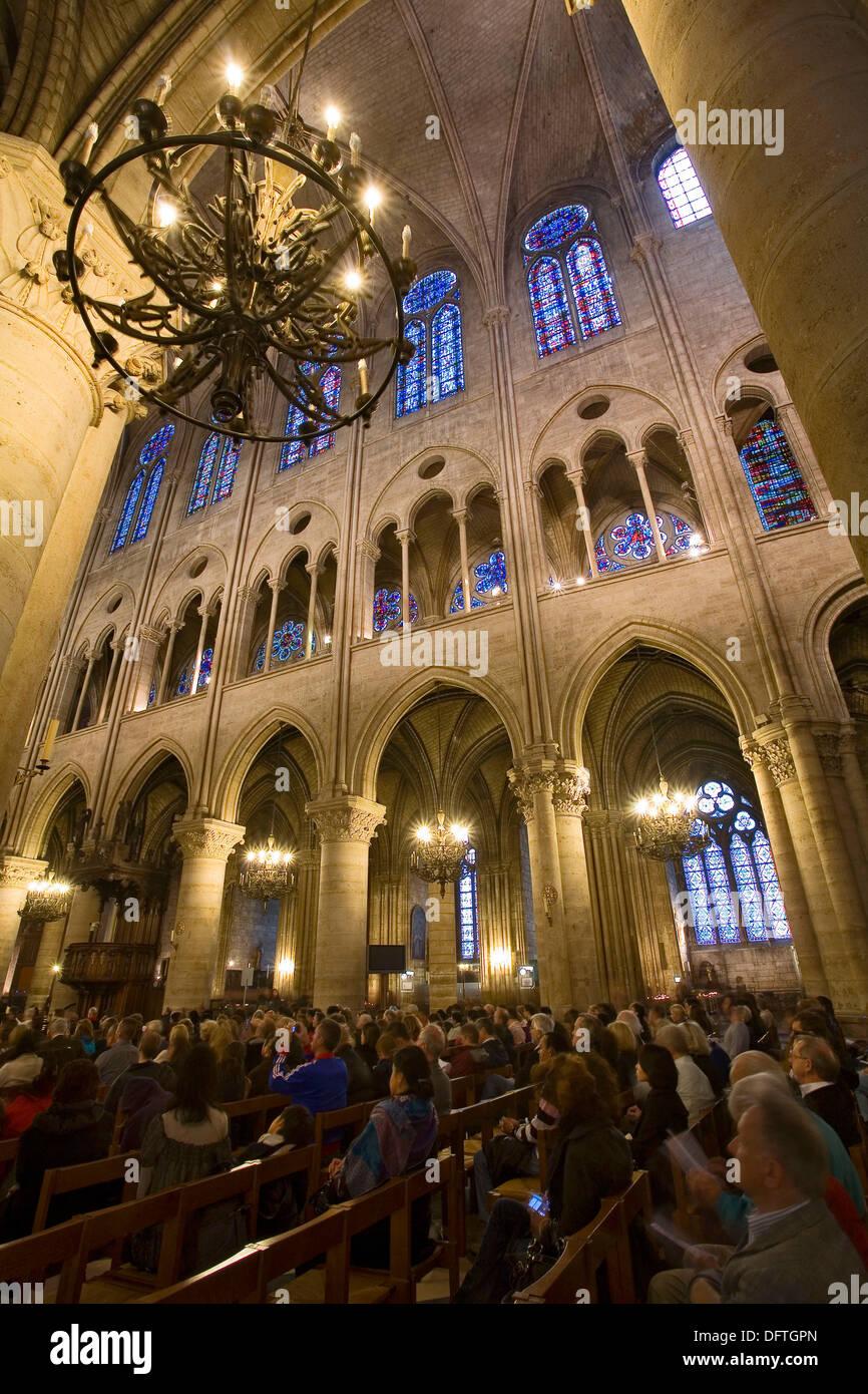 Frankreich, Paris, Notre-Dame: Intérieur Stockbild