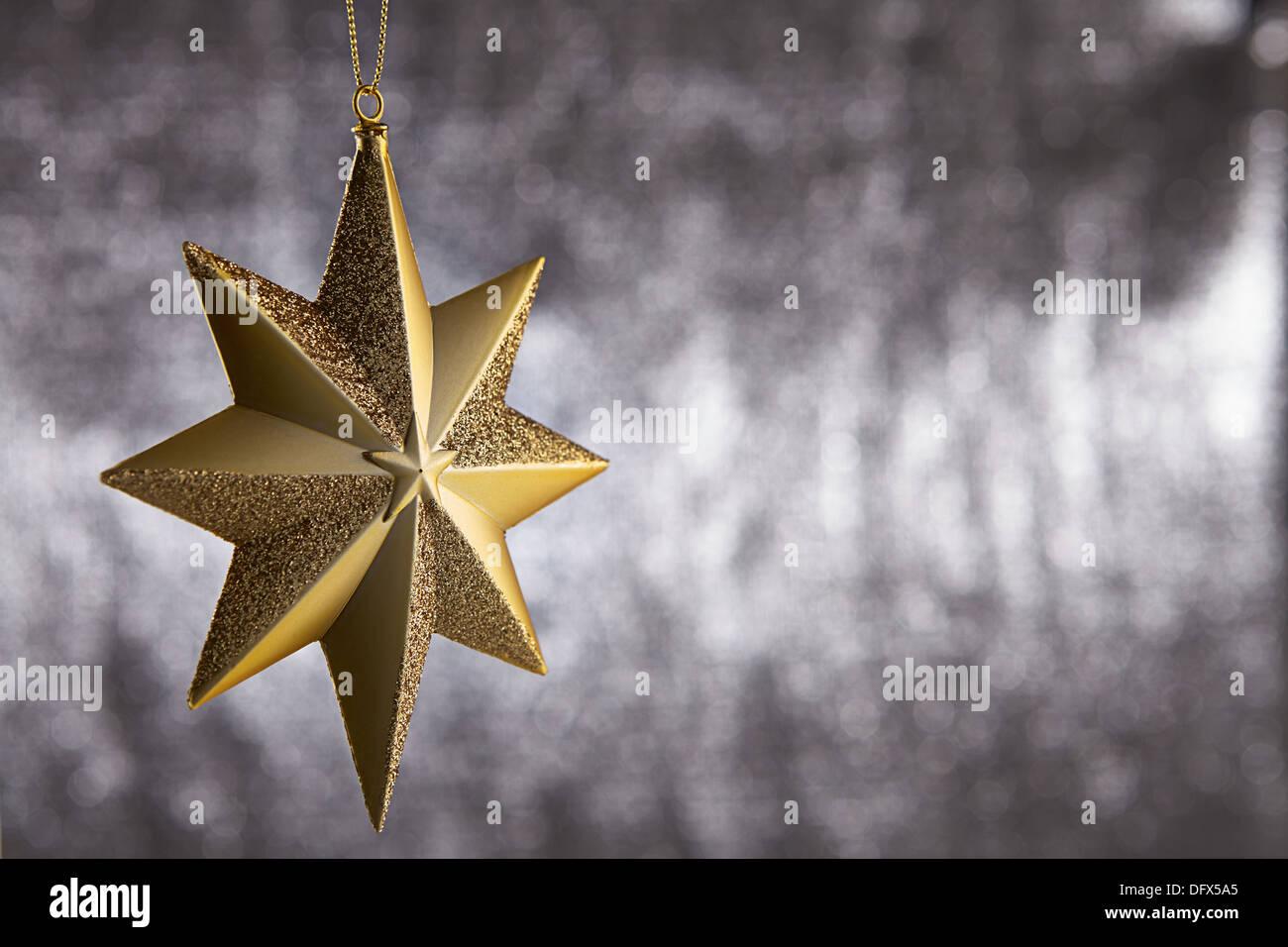 Single Weihnachten.Single Weihnachten Dekoration Sterne Hängen Hintergrund Silber