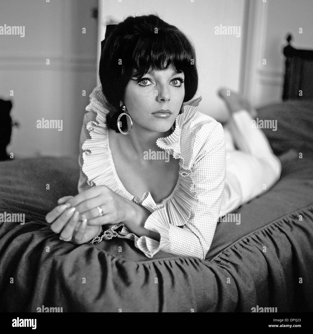 JOAN COLLINS UK Filmschauspielerin über 1965 Stockbild