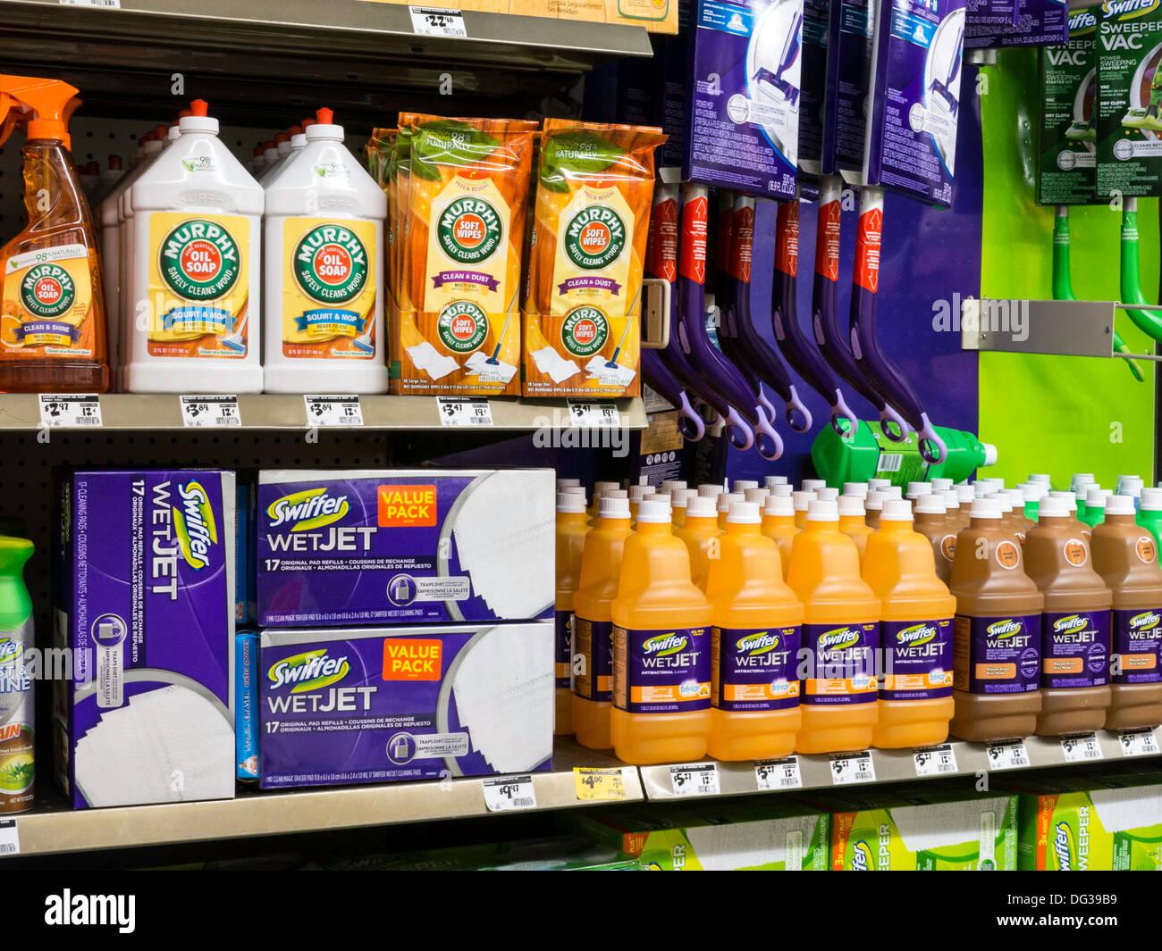 Home Depot Reinigung Produkte Shop-Display, NYC Stockfoto, Bild ...