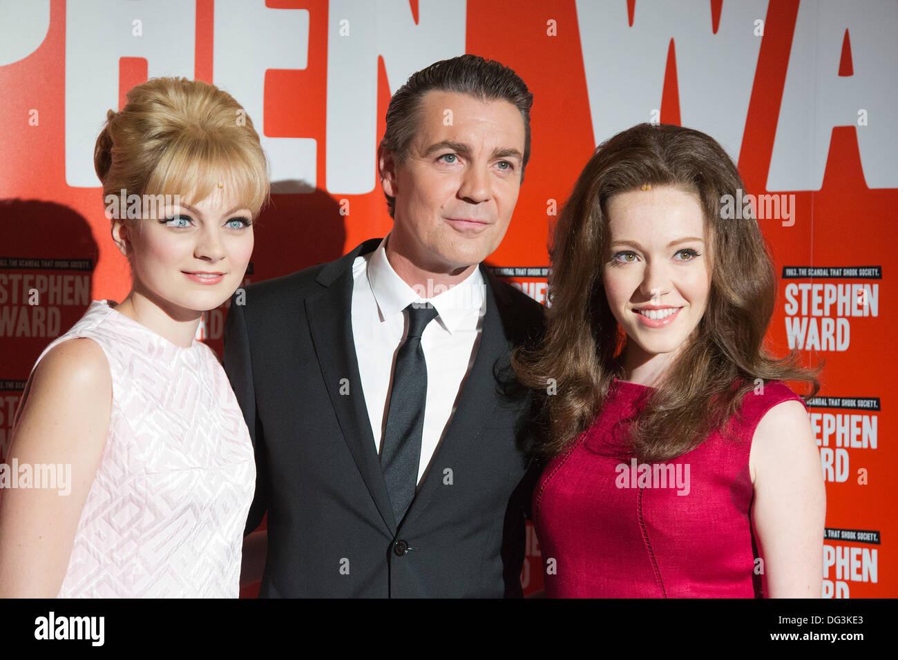 Charlotte Blackledge, Alexander Hanson und Charlotte Spencer. Pressevorstellung des musikalischen Stephen Ward von Stockfoto
