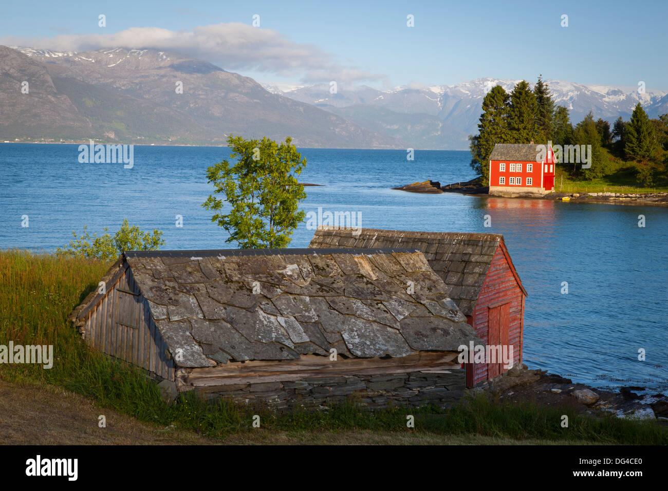 Idyllische ländliche Insel im Hardanger Fjord, Hordaland, Norwegen, Skandinavien, Europa Stockbild