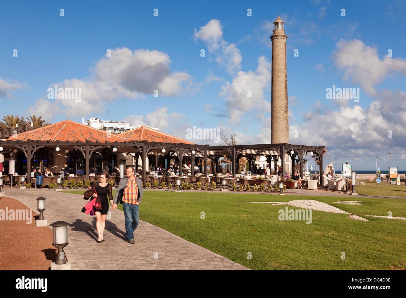 Promenade und der Leuchtturm Faro de Maspalomas, Maspalomas, Gran Canaria, Kanarische Inseln, Spanien, Europa Stockbild