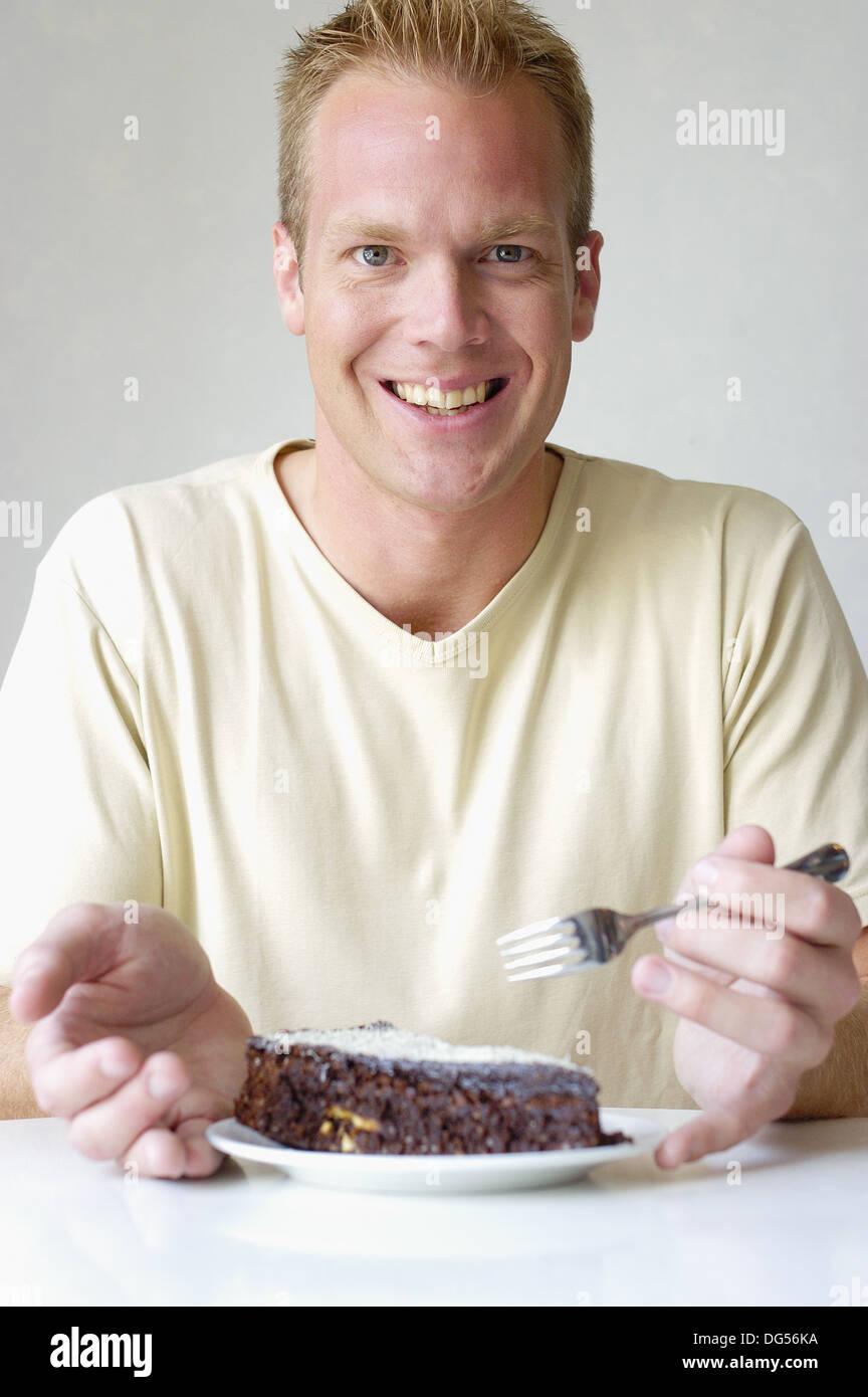 Menschen Essen Schokolade Kuchen Stockfoto Bild 61580606 Alamy