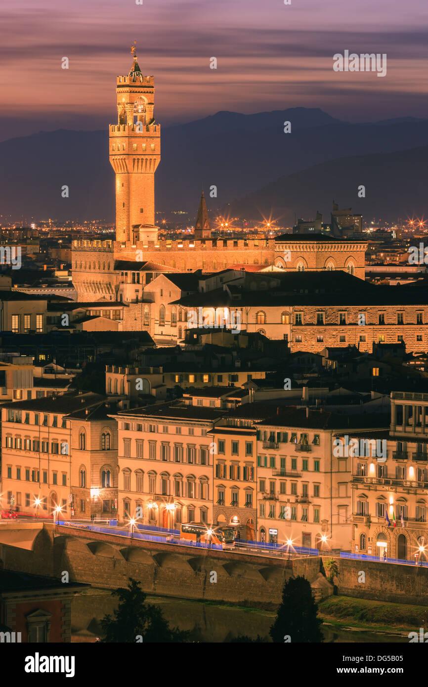 Der Palazzo Vecchio ist das Rathaus von Florenz, Italien. Vom Piazzale Michelangelo Stockbild