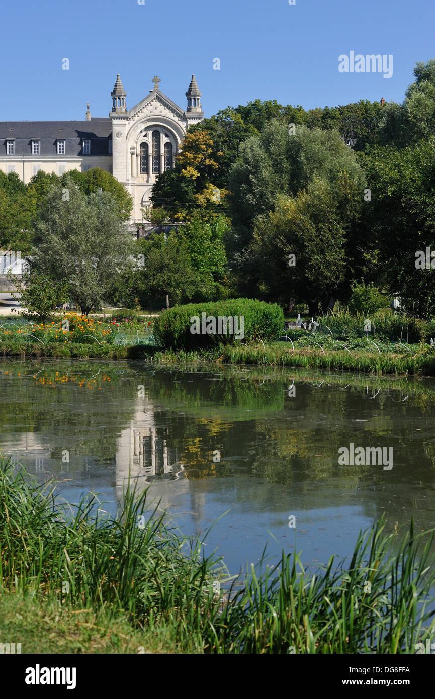 Kloster der Schwestern der Nächstenliebe vor die Sümpfe in Bourges, Cher Abteilung, Berry Provinz, Region Mitte, Stockbild