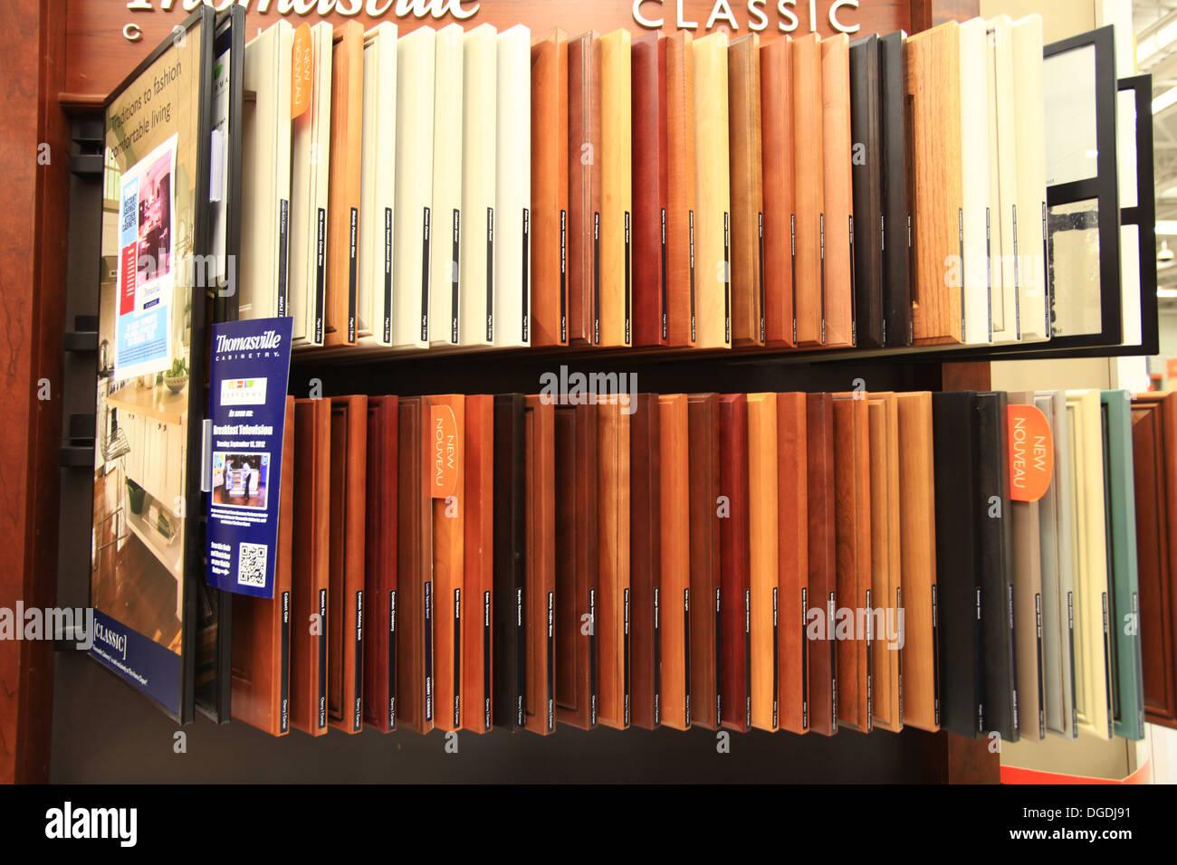 hartholz und laminatbden muster auf dem display in the home depot kitchener ontario kanada - Hartholz Oder Laminatboden