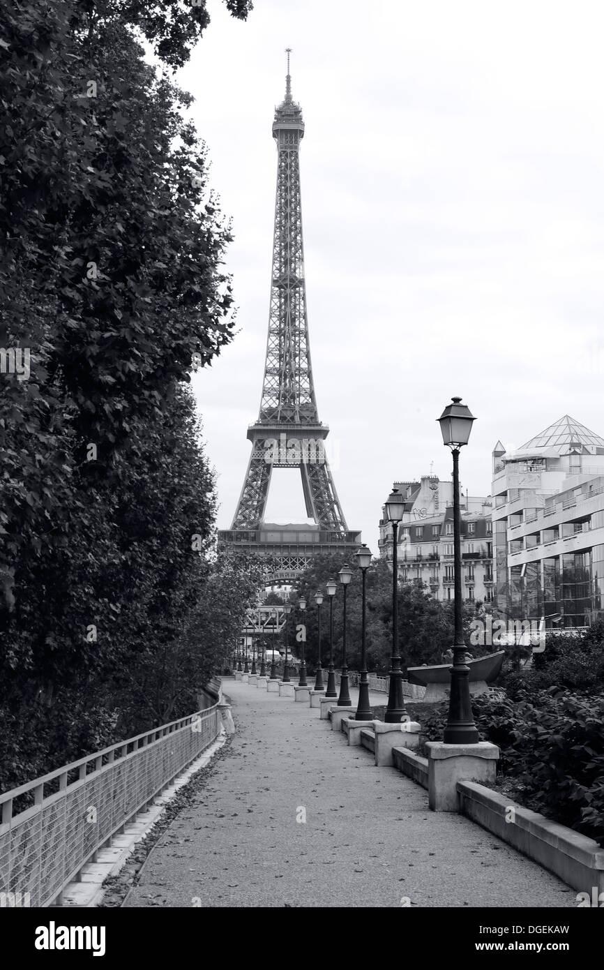 Als die Post-Lampen als Lead-Linien auf den Eiffelturm. Stockbild