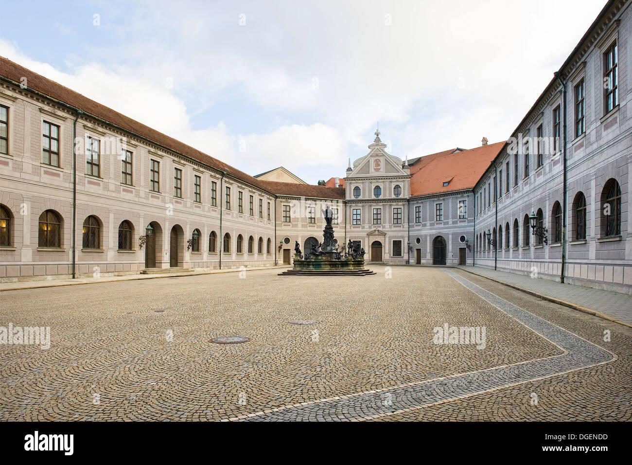 Deutschland Bayern München Residenz Museum Schatz Kammer
