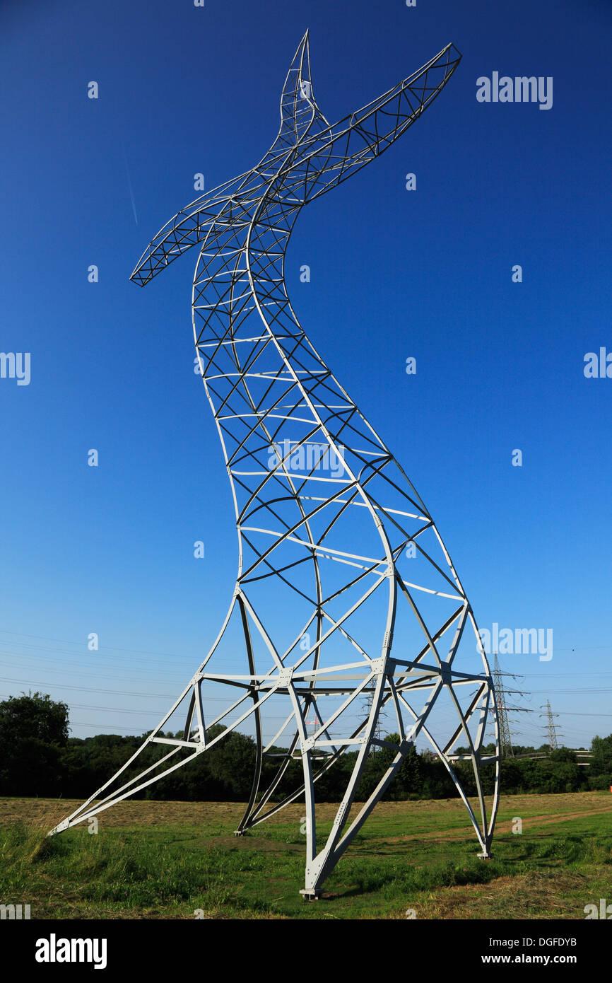 """Der Tanzende Strommast """"Zauberlehrling"""" von """"Inges Idee"""" Bei der Ausstellung Emscherkunst Im Emscher Landschaftspark Bei Haus Ripshorst, Oberhausen, R Stockbild"""