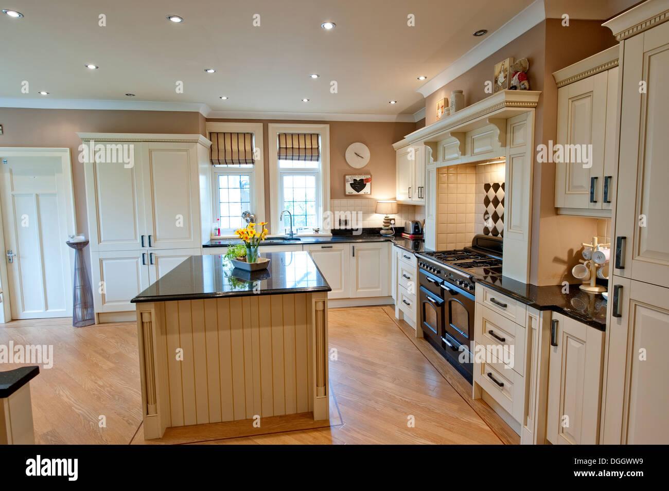 Fantastisch Englischen Landhaus Kche Aga Holz Holz Insel Stockfoto Bild
