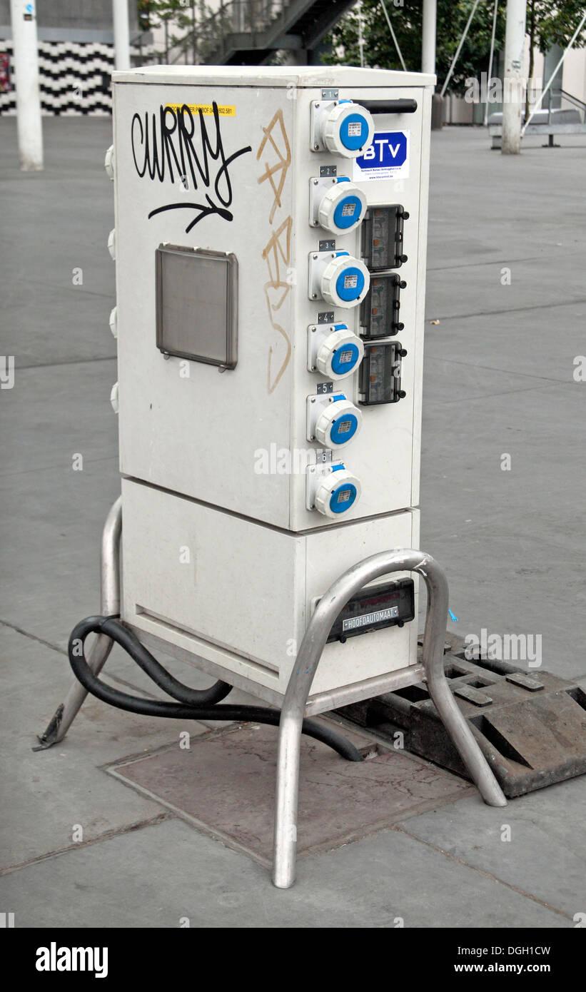 Freistehende elektrischen Ausgabeeinheit als gebrauchte bei großen Outdoor-Veranstaltungen in Antwerpen, Belgien. Stockbild