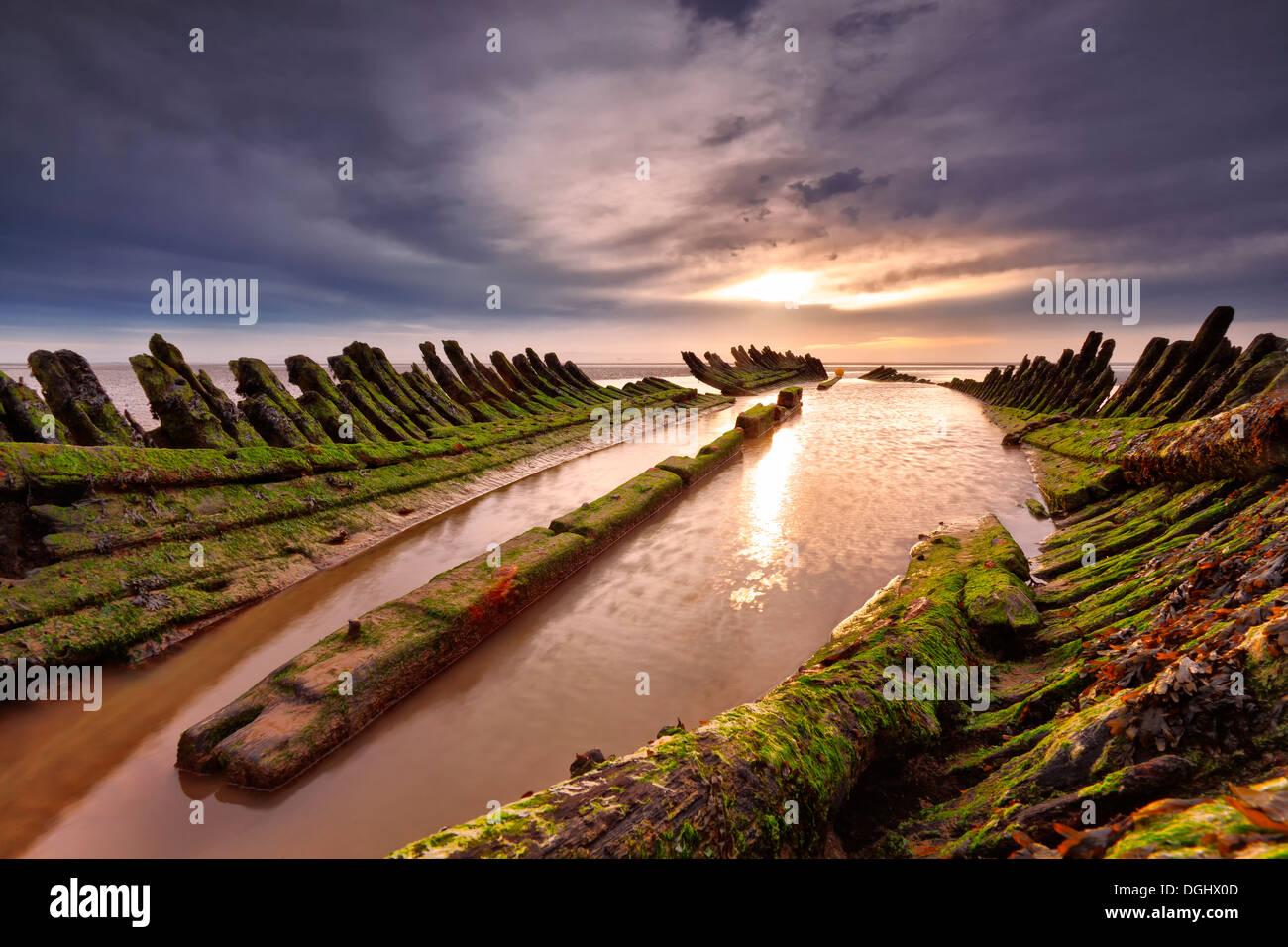 Ansichten des Rumpfes und im Inneren ein Schiffswrack. Stockbild