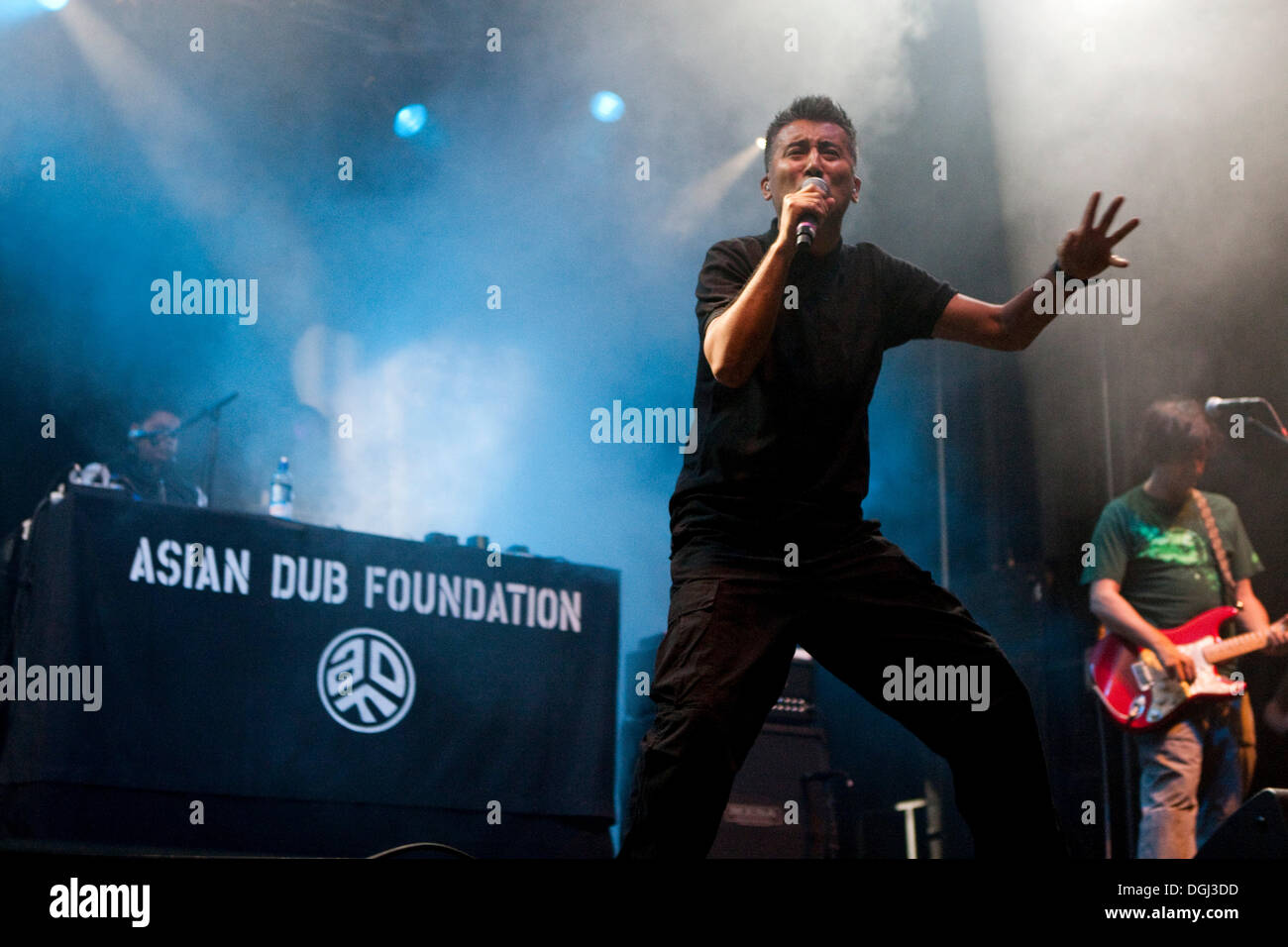 Britische elektronische alternative Band Asian Dub Foundation die live beim Soundcheck Open Air in Sempach-Neuenkirch, Luzern Stockbild