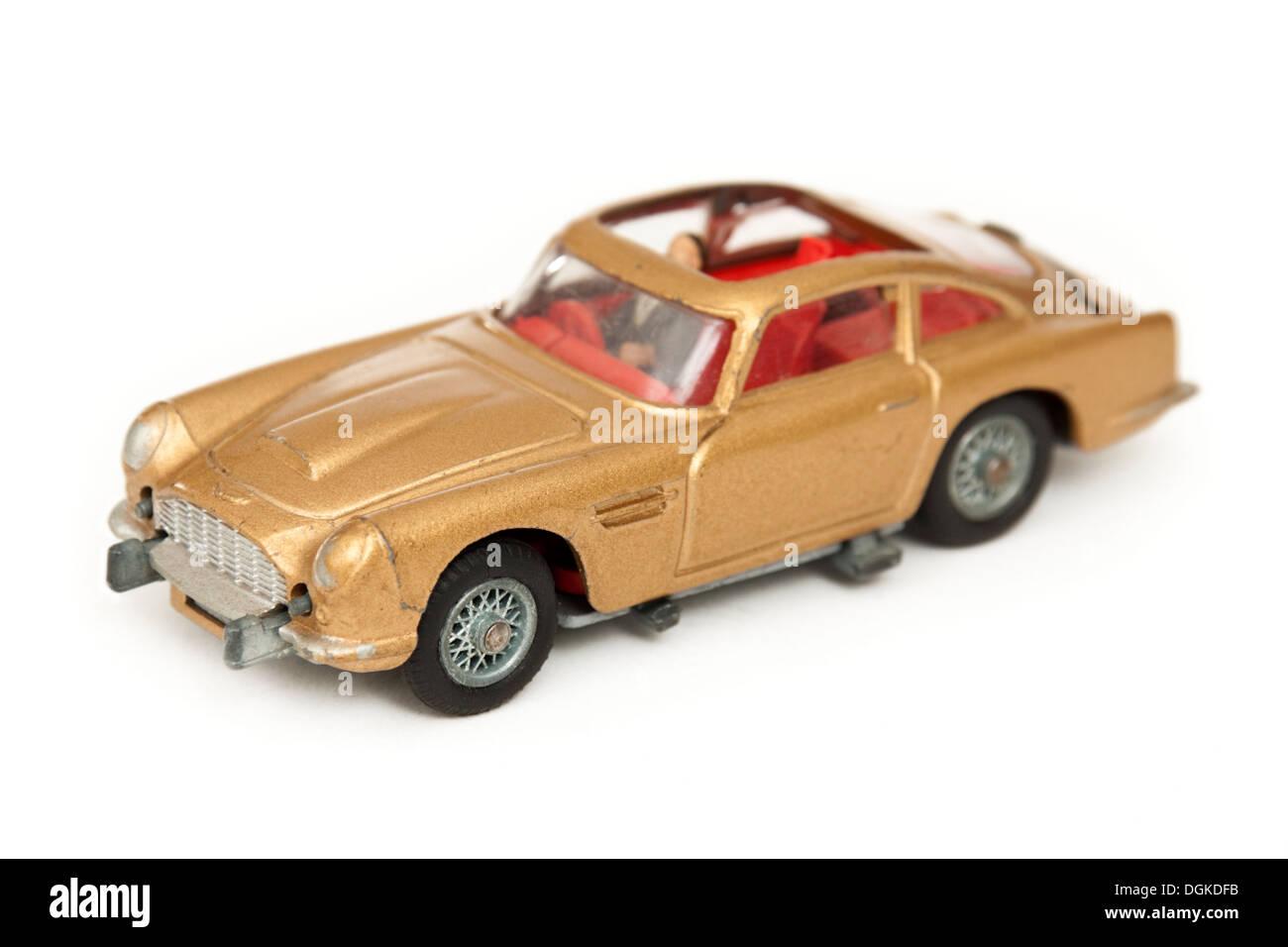 James Bond 007 Aston Martin Db5 Replik Von Corgi Toys Stockfotografie Alamy