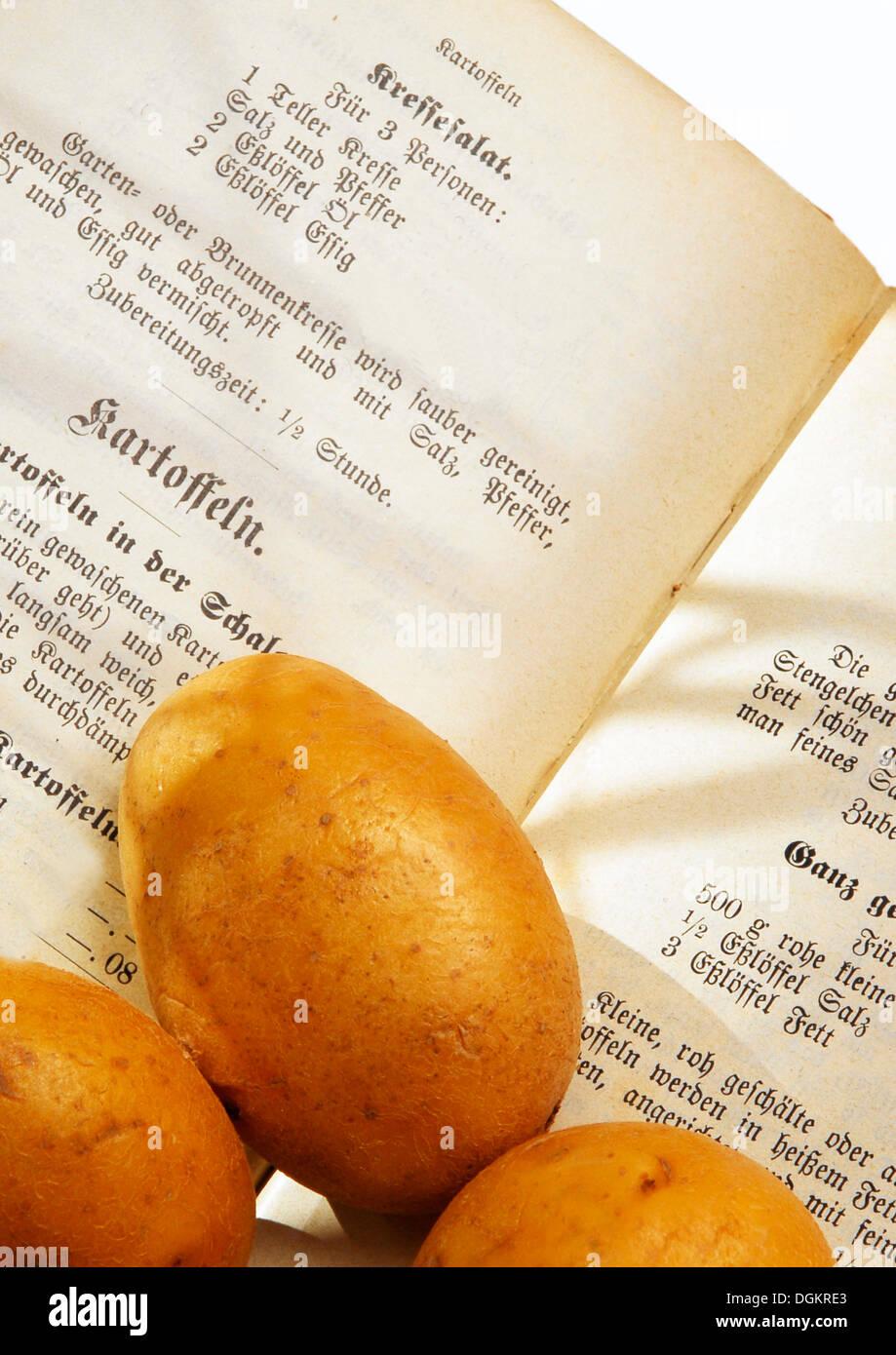 Historischen Kochbuch von 1916, mit Kartoffeln, Kartoffel-Rezepte Stockbild