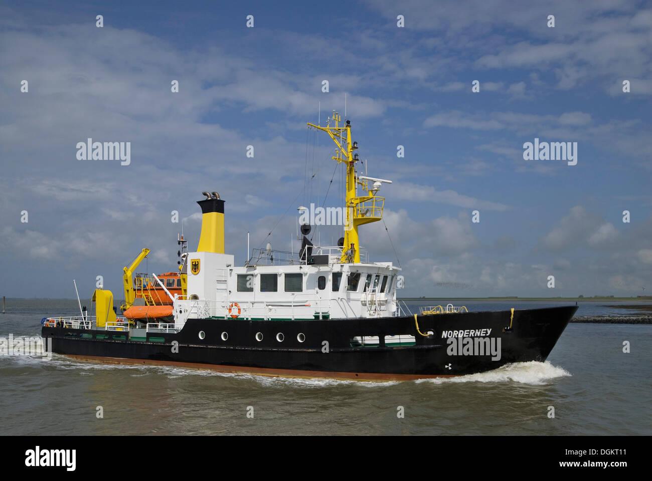Norderney klingenden Schiff in Bewegung vor Norddeich, Spezialschiff für die Vermessung der schiffbaren Wassers Stockbild