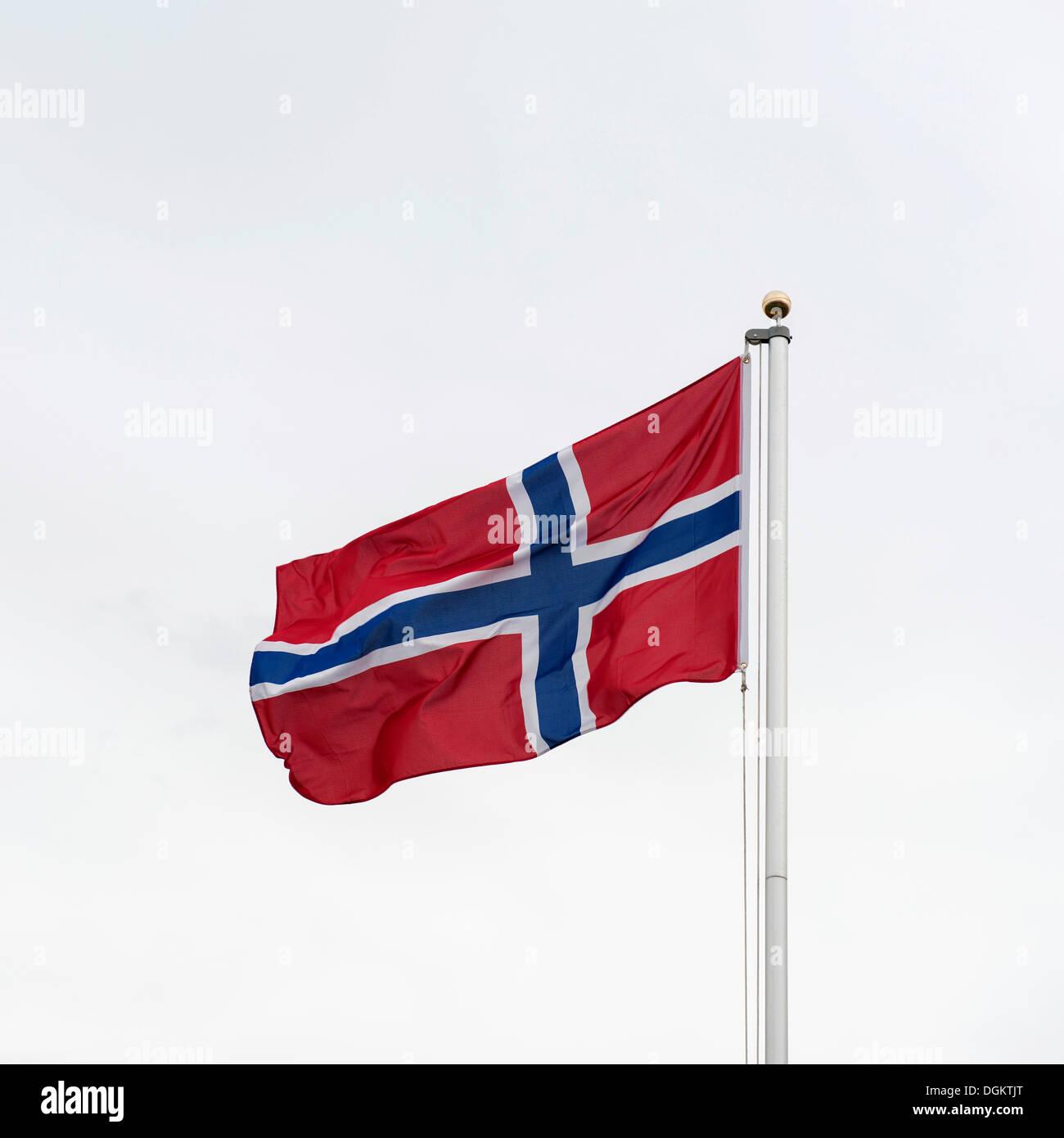 Eine wehende Flagge Norwegens Stockbild