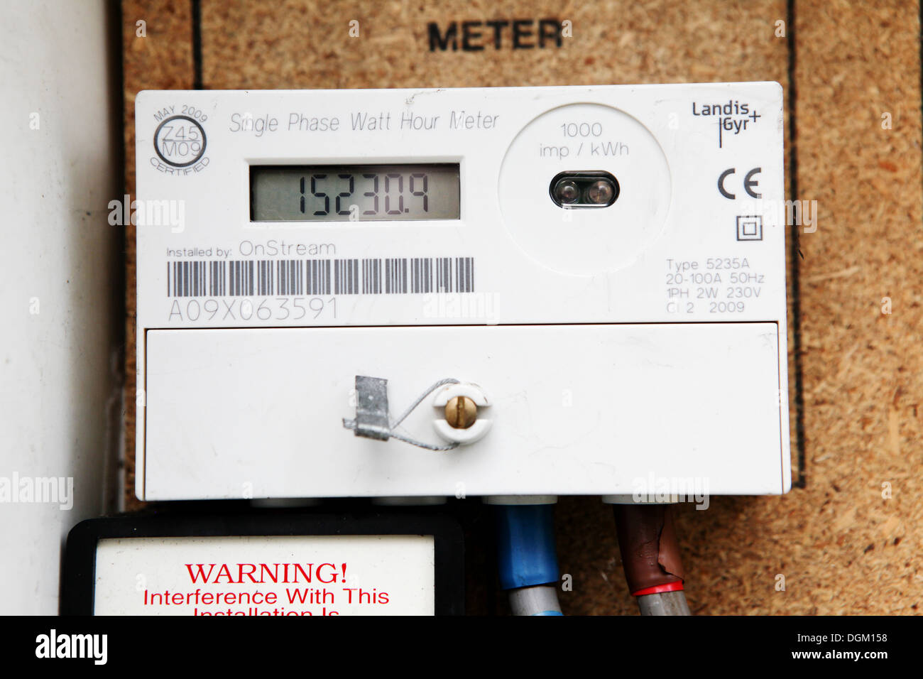 domestic electricity meter uk stockfotos domestic electricity meter uk bilder alamy. Black Bedroom Furniture Sets. Home Design Ideas