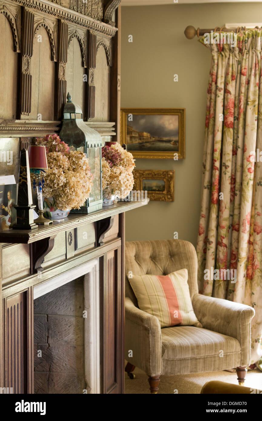 Edwardian Style Salon im Hause der Stoff-Designer Richard ...