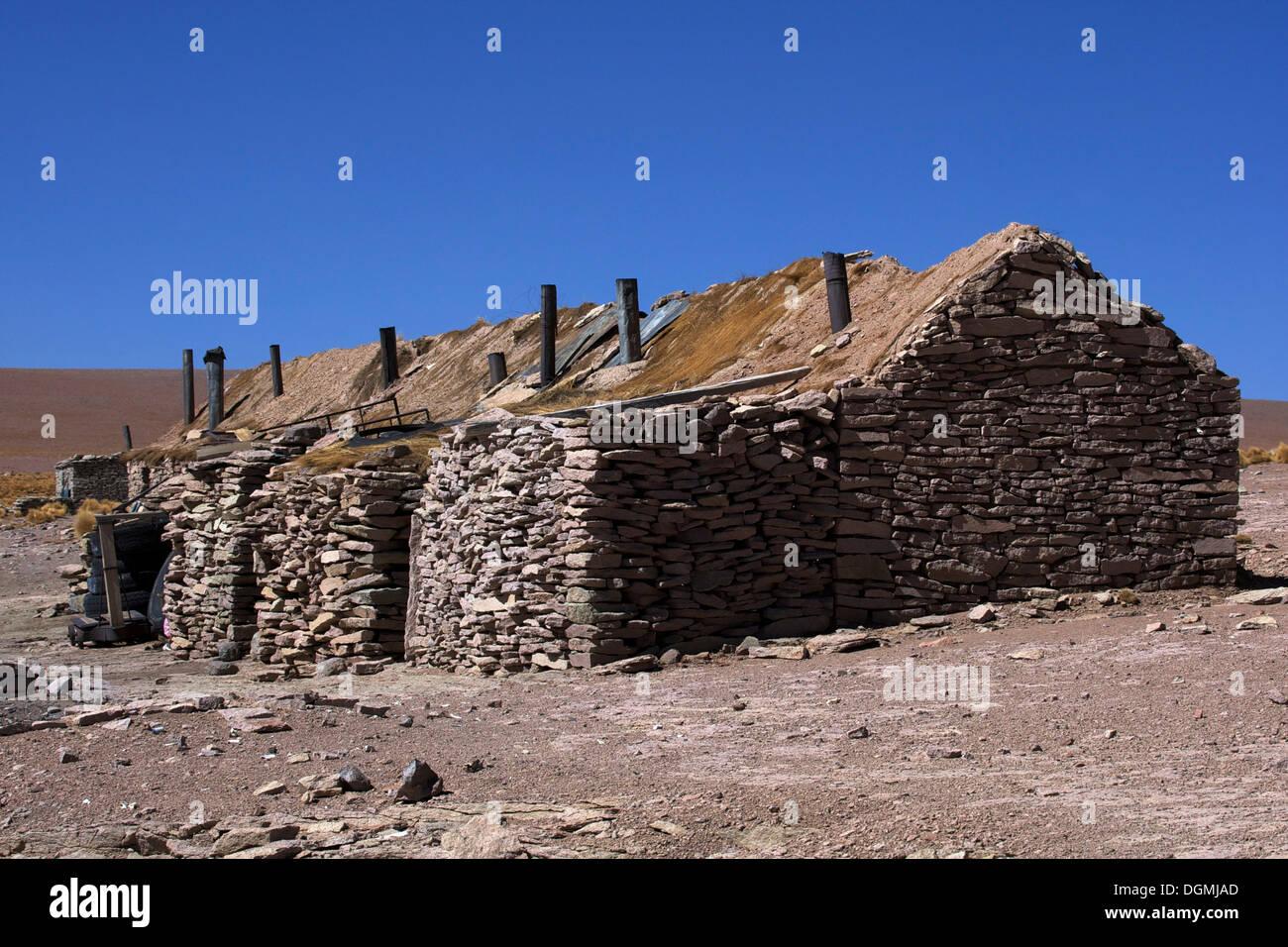 Haus Aus Stein, Unterkunft Für Salz Arbeiter, Atacama Wüste, Altiplano,  Bolivien, Südamerika