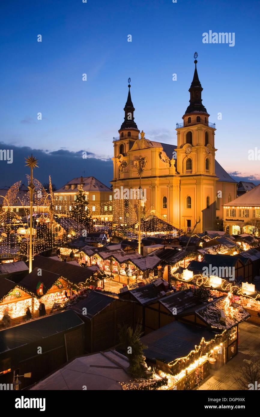 Ludwigsburg Weihnachtsmarkt.Weihnachtsmarkt Auf Dem Marktplatz In Ludwigsburg Baden Württemberg