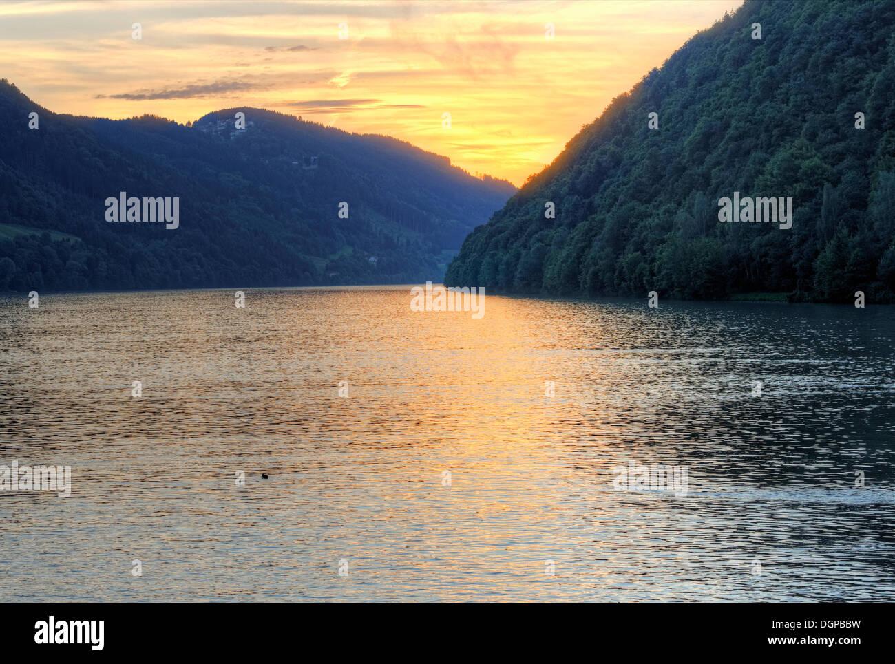 Abend auf der Donau, Schloegen Schleife, Region Hausruckviertel, Oberösterreich, Österreich Stockfoto