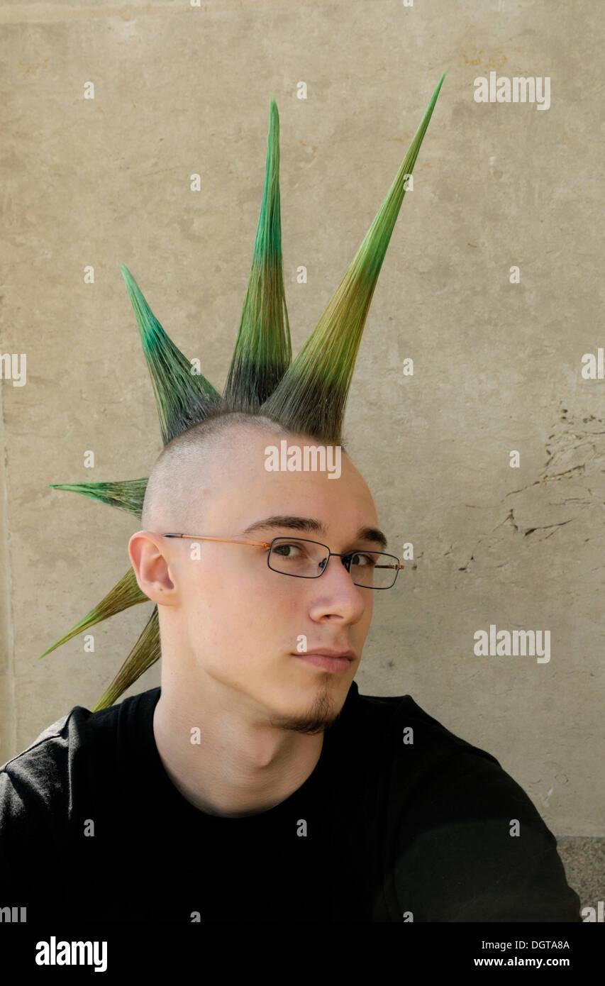 Punk Frisur Stockfotos und -bilder Kaufen - Alamy