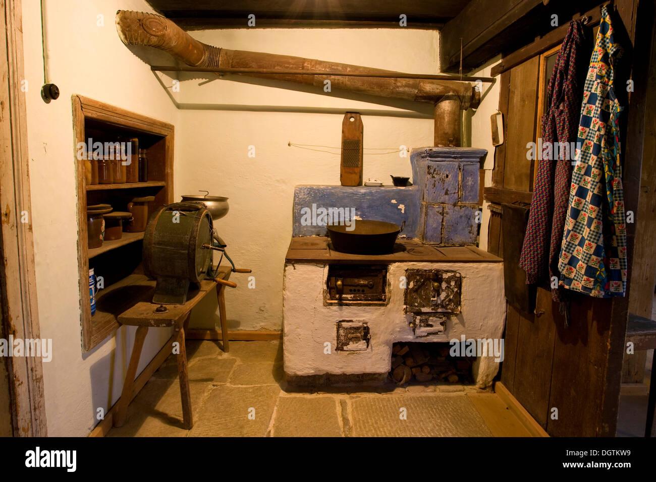 historische k che in einem bauernhaus freilichtmuseum in finsterau bayern stockfoto bild. Black Bedroom Furniture Sets. Home Design Ideas