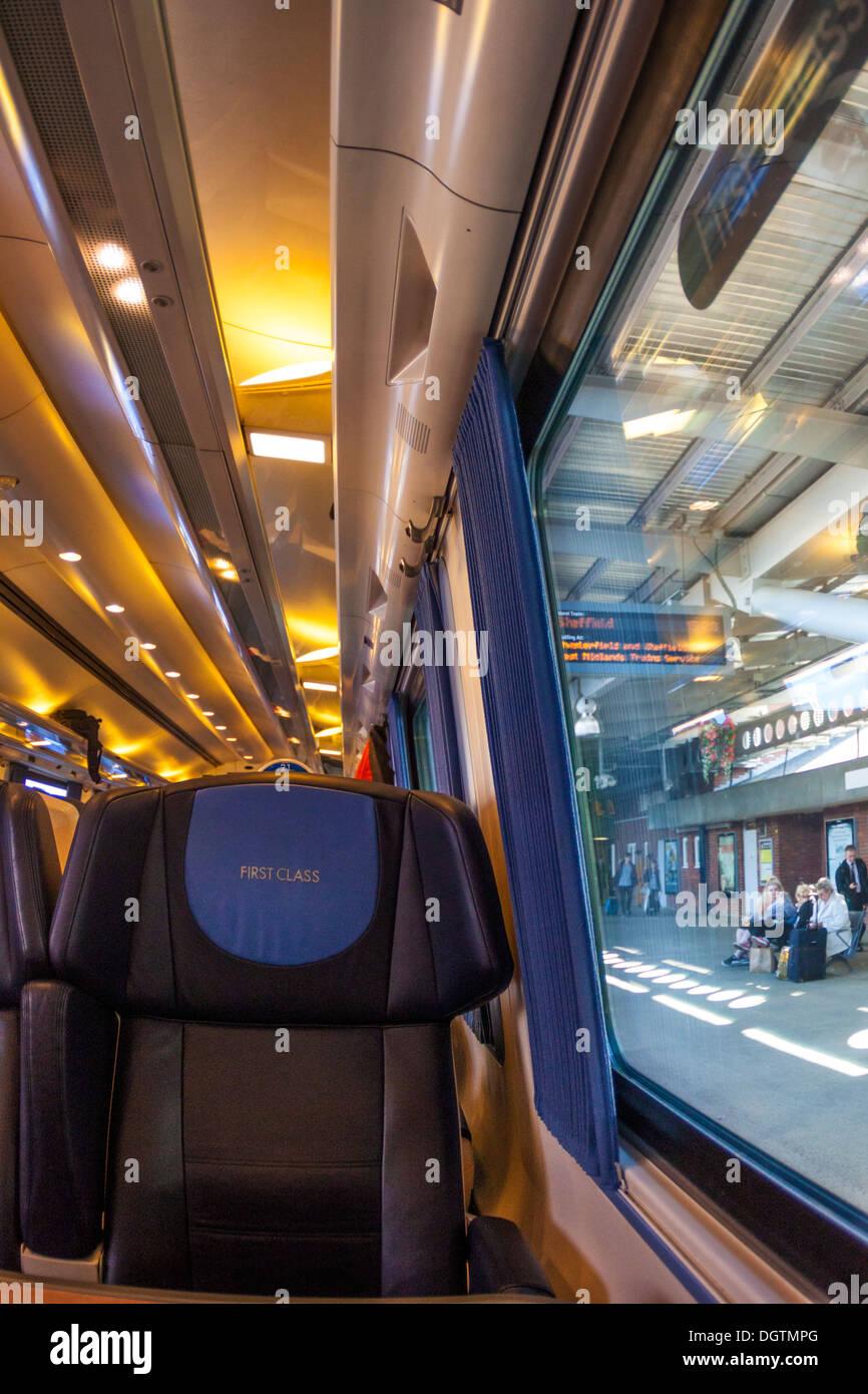 First Class Reisen mit der Bahn Stockbild