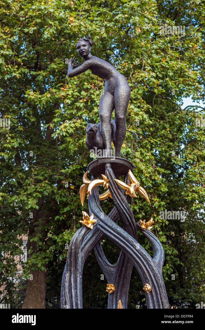 Diana von den Baumwipfeln, eine Skulptur von EJ klack, Green Park, London Stockbild