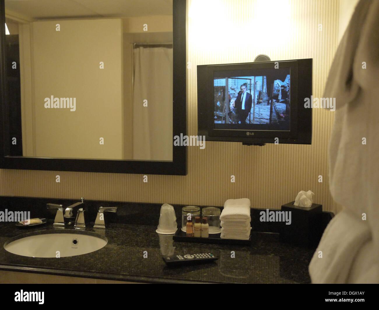 vor dem Fernseher im Badezimmer sheraton hotel Stockfoto ...