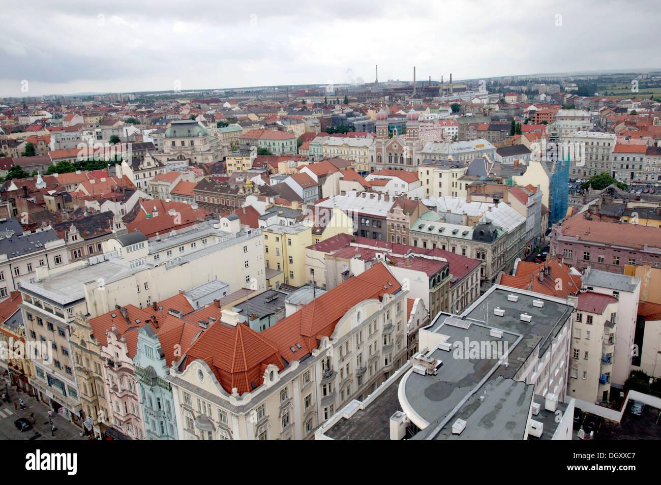 Blick auf die Altstadt und weitere Teile von Pilsen, Pilsen, Böhmen, Tschechische Republik, Europa. Stockbild