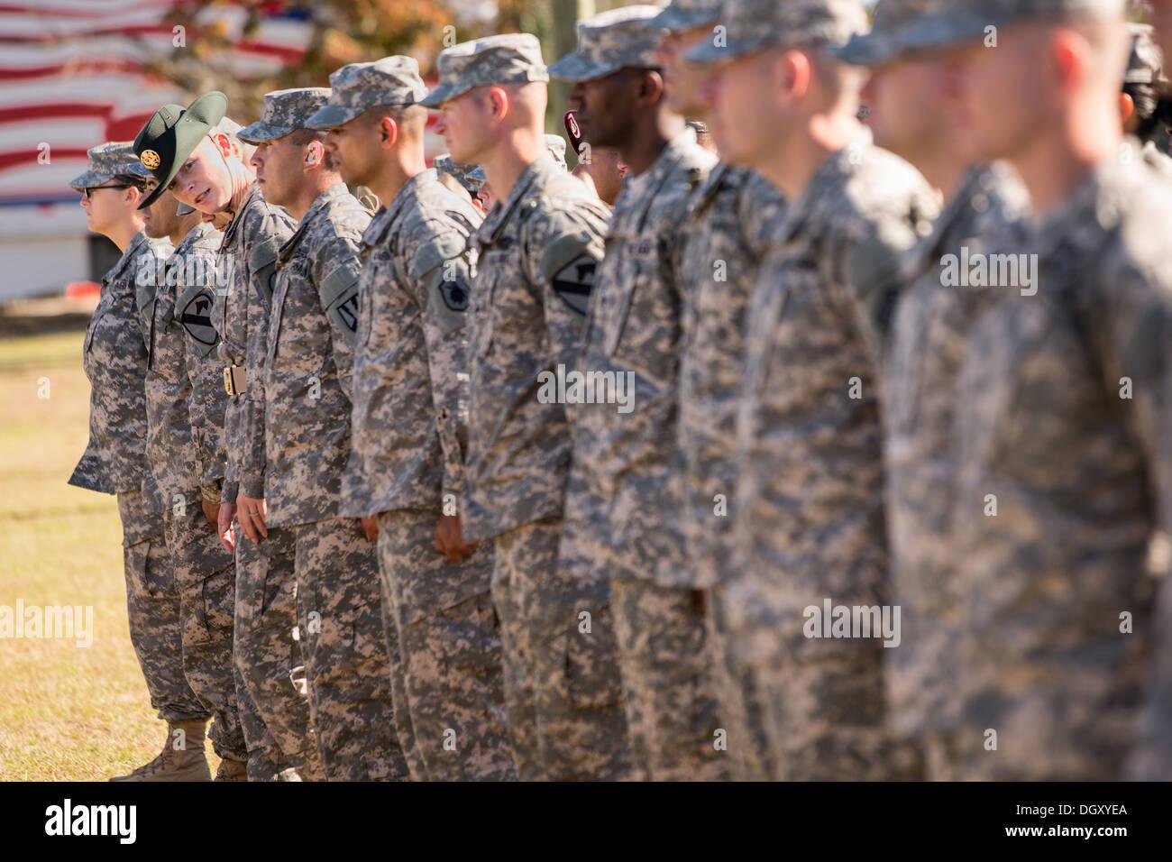 Weibliche uns Armee Bilder