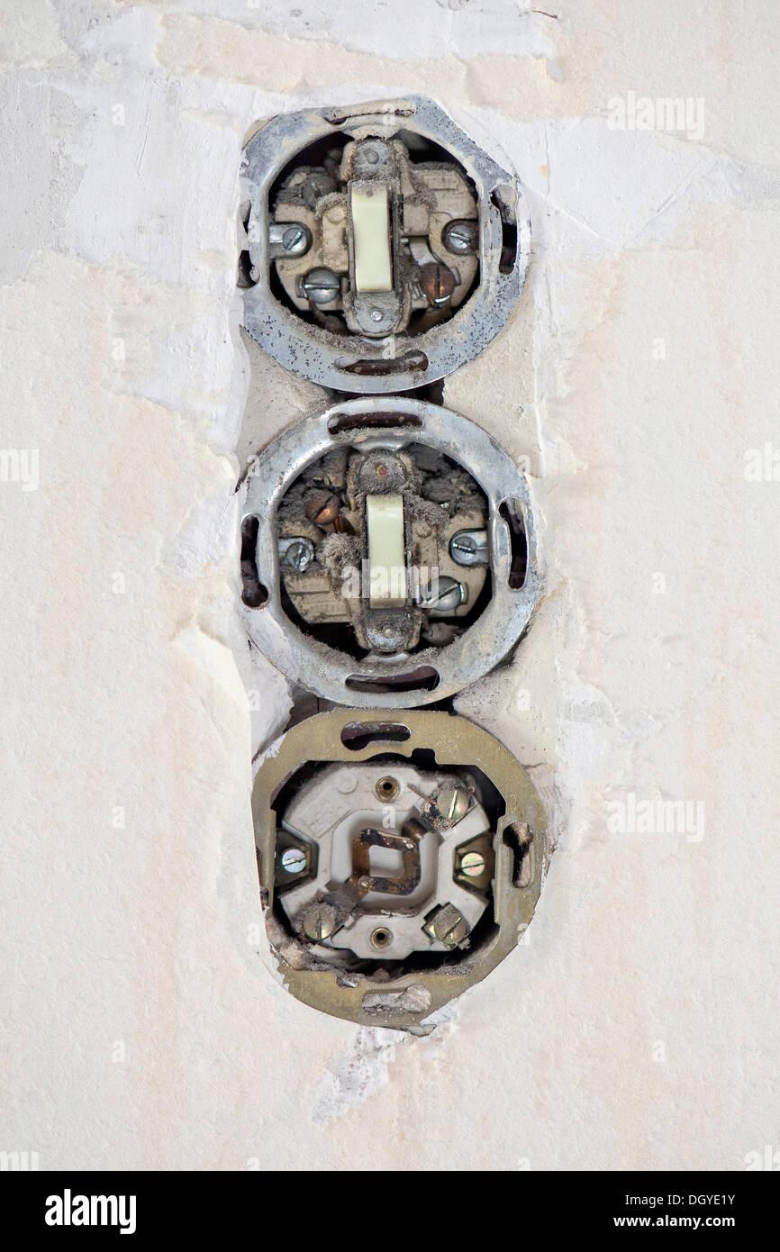 Old Electrical Wiring Stockfotos & Old Electrical Wiring Bilder ...