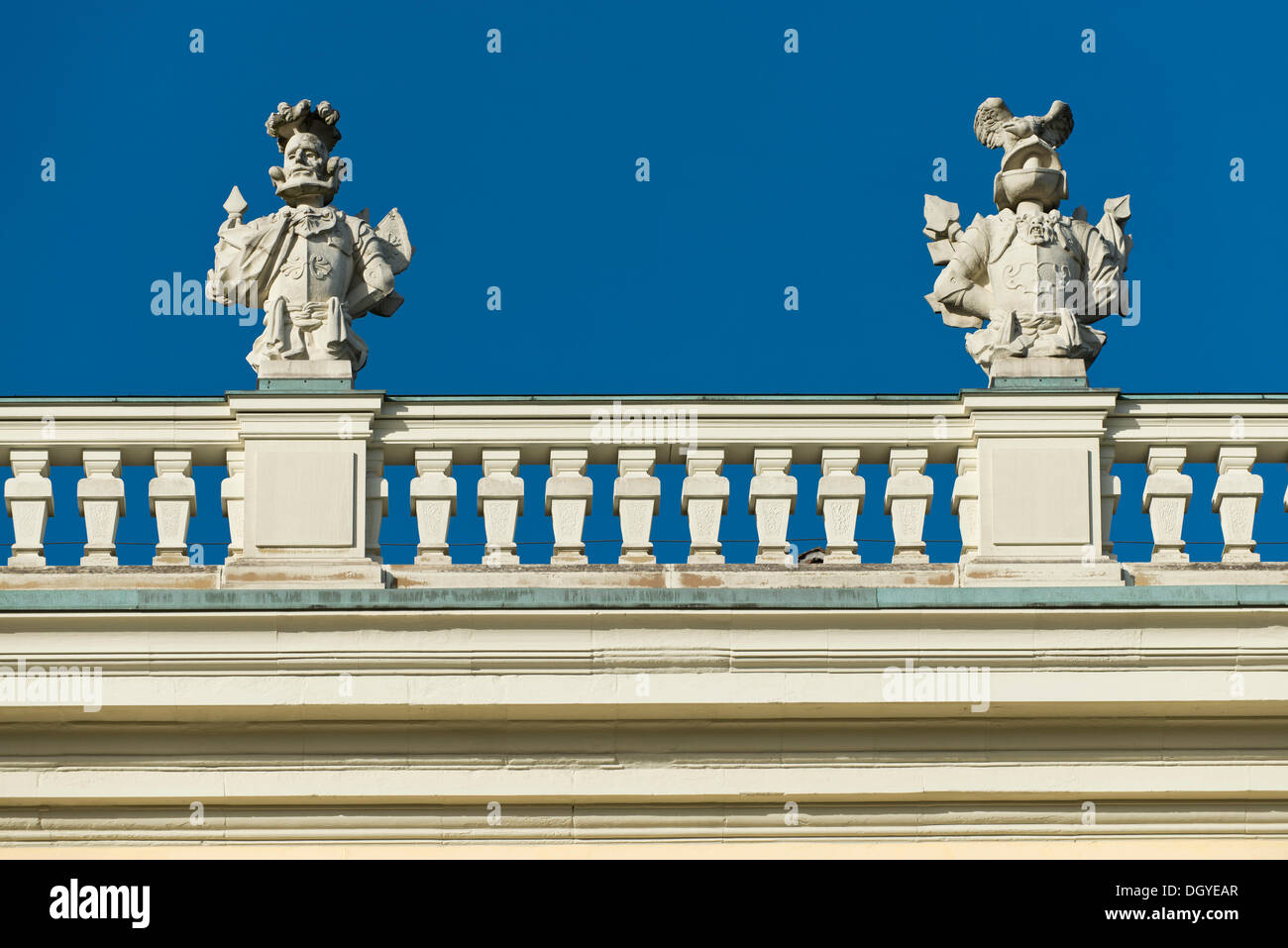 Büsten, Skulpturen, Geländer, Schloss Schloss Ludwigsburg, Baden-Württemberg Stockbild