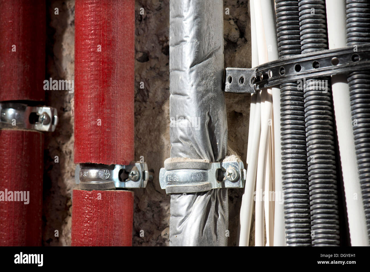 insulated pipe stockfotos insulated pipe bilder alamy. Black Bedroom Furniture Sets. Home Design Ideas