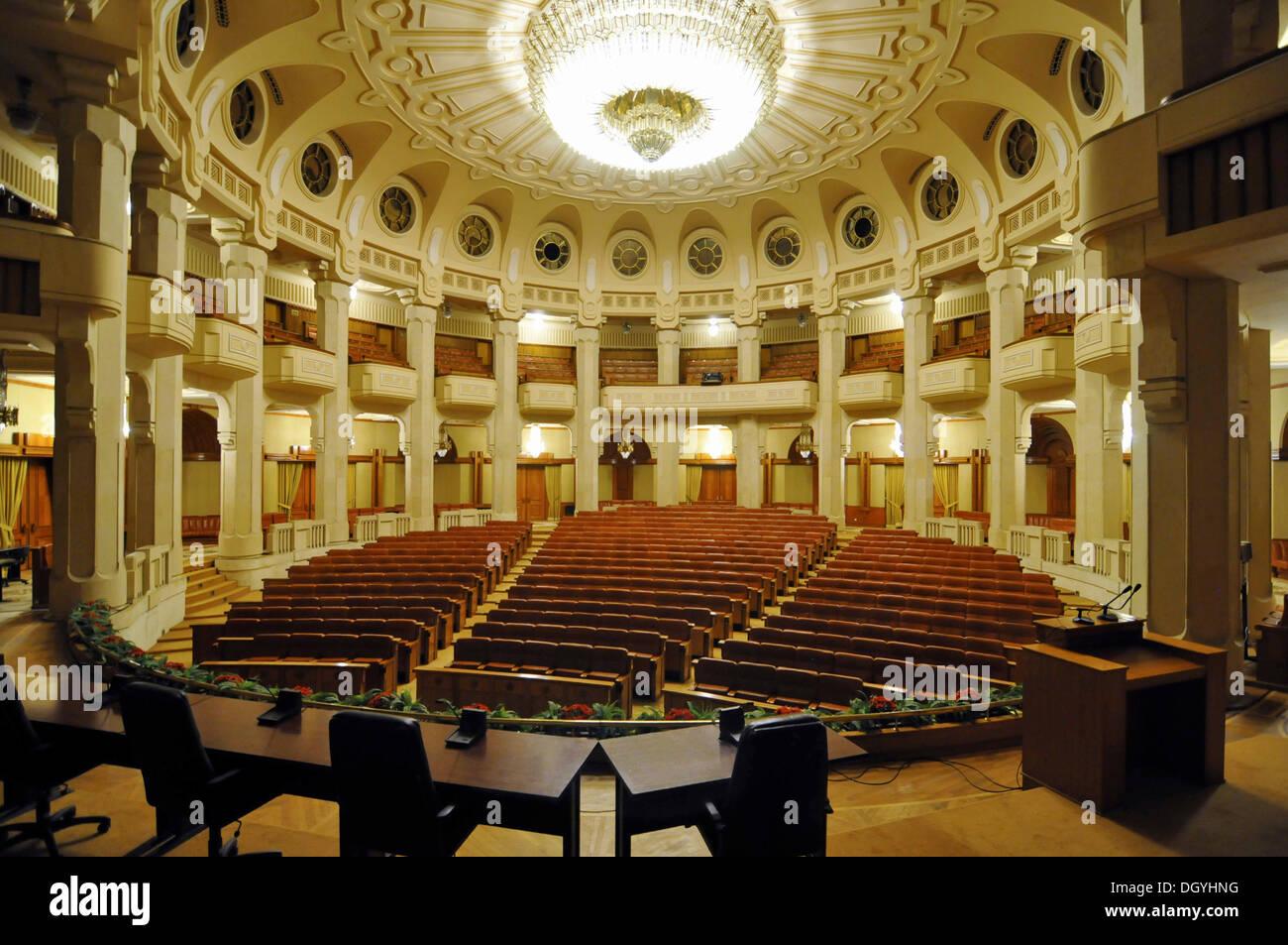 https://c8.alamy.com/compde/dgyhng/theater-interieur-palast-des-parlaments-bukarest-rumanien-europa-dgyhng.jpg