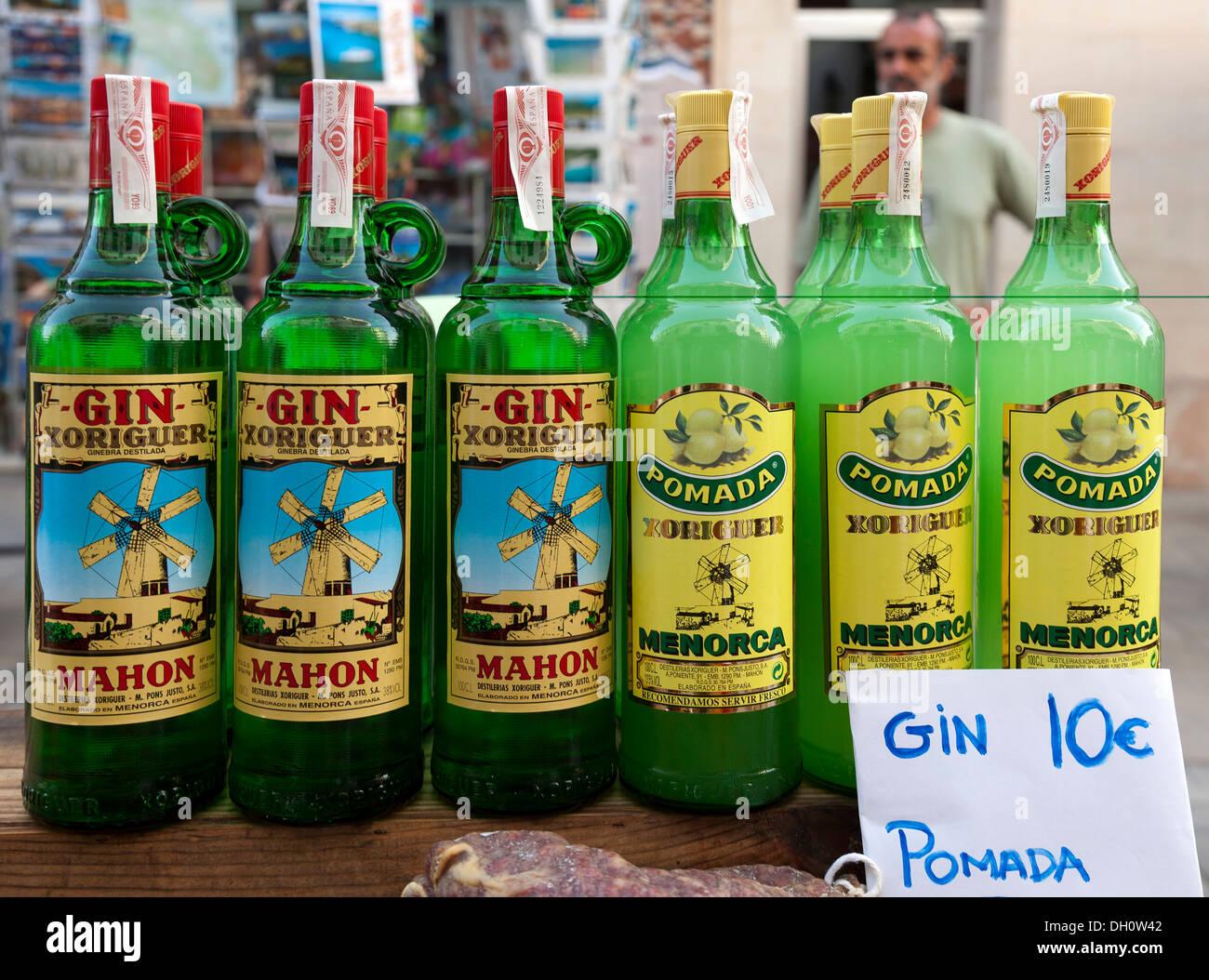 Gin und Pomada, typische alkoholische Getränke von Menorca, Balearen ...