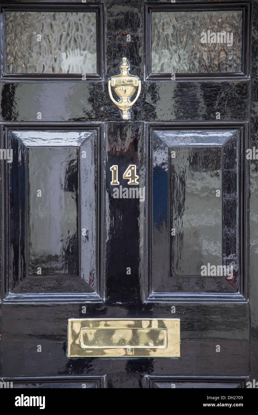 Bevorzugt Haustür - Detail der englische Traditionshaus mit Türklopfer QY86