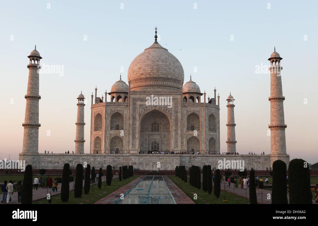 Taj Mahal bei Sonnenuntergang, Agra, Uttar Pradesh, Indien, Asien Stockbild