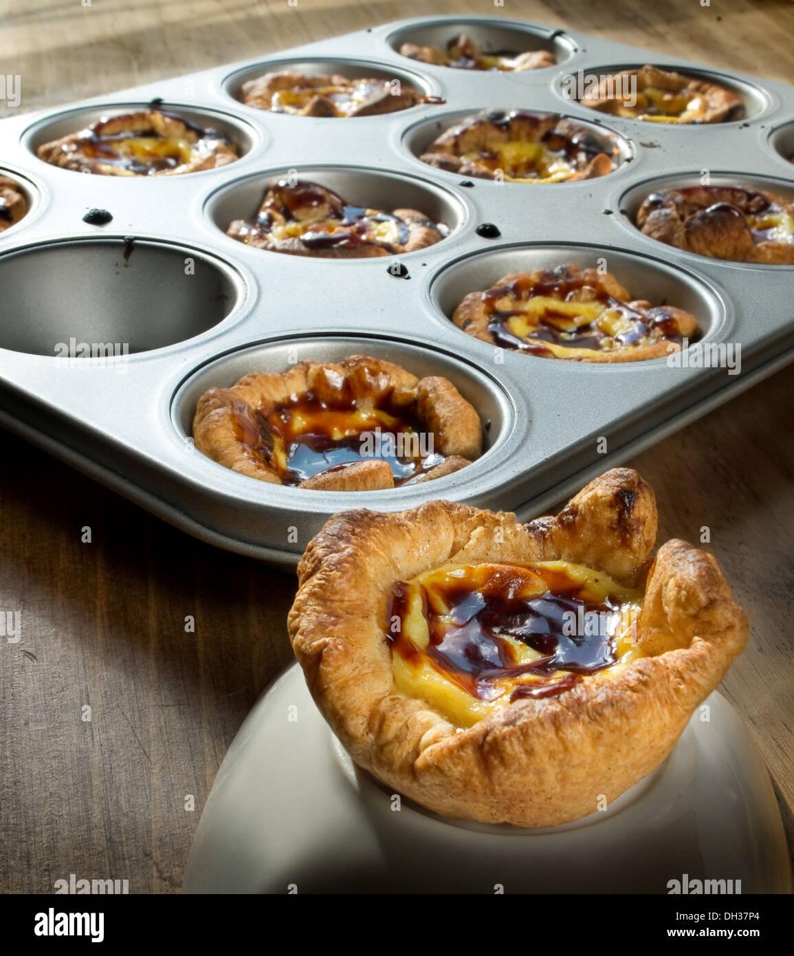 Pasteis De Belem Typisch Portugiesische Pudding Kuchen Stockfoto