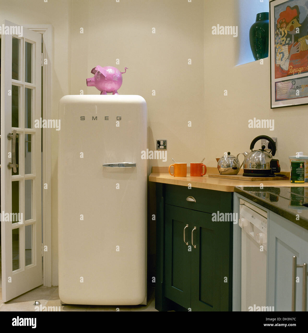 atemberaubend moderne k hlschr nke bilder die besten. Black Bedroom Furniture Sets. Home Design Ideas