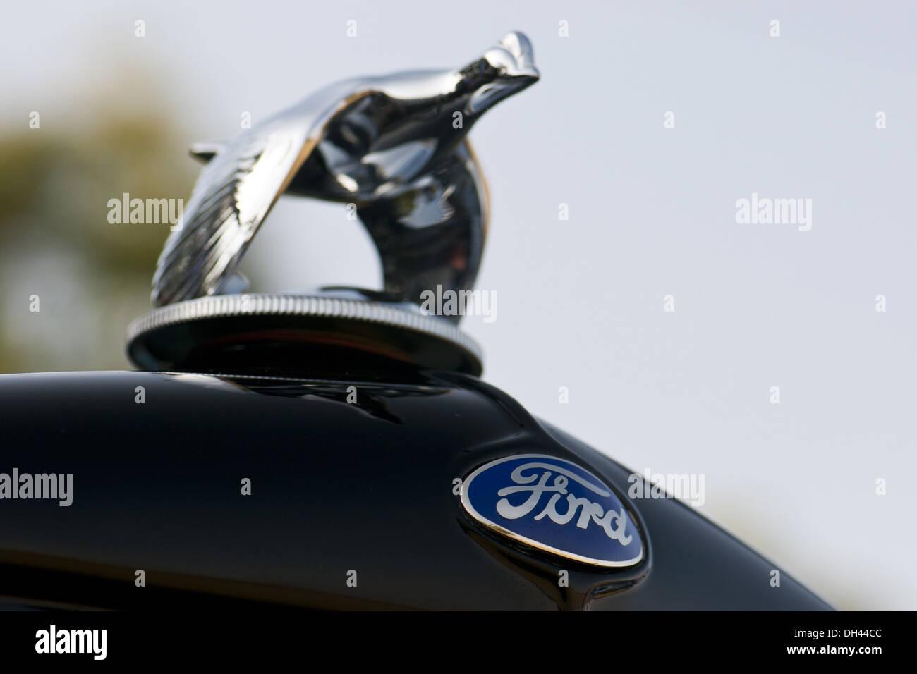 Antike Ford Auto Logo Symbol Fliegen Vogel Stockfoto Bild 62171548