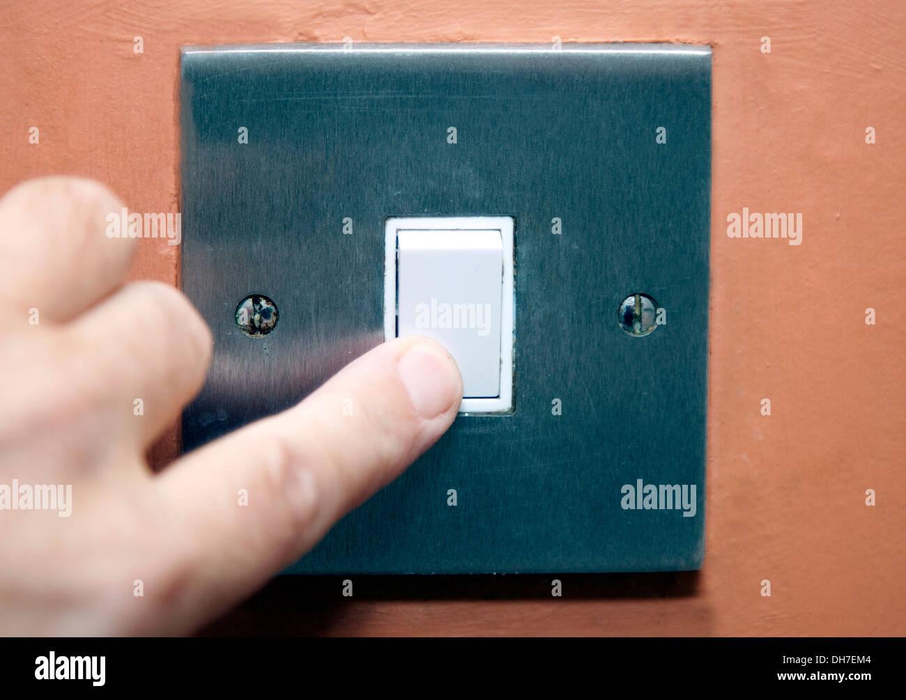 Ein-/ausschalten Lichtschalter im Haus, London Stockfoto, Bild ...