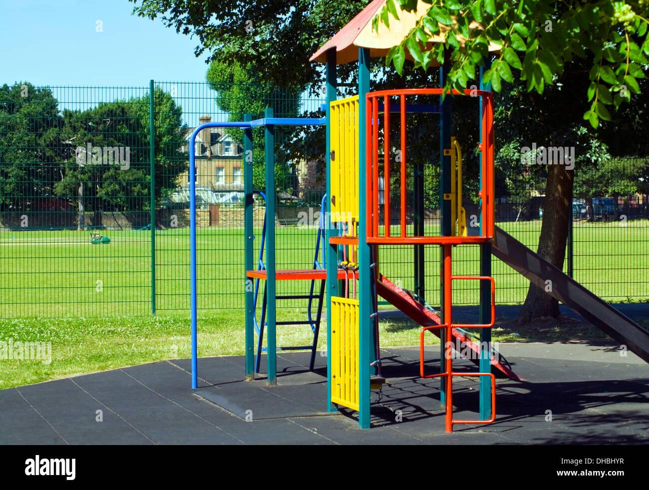 Klettergerüst English : Klettergerüst für kinder spielplatz stockfoto bild  alamy