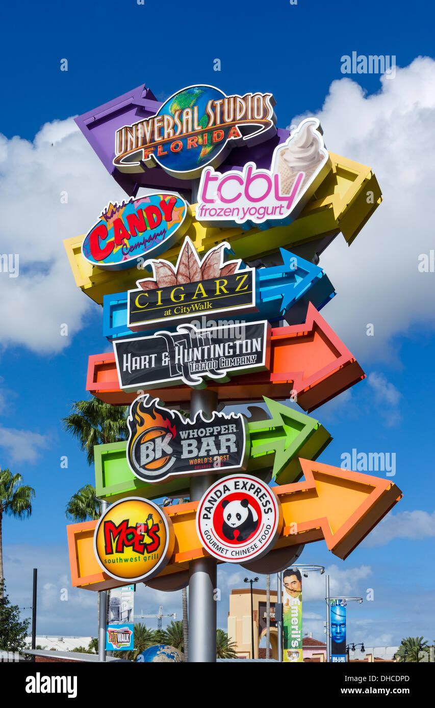 Anzeichen bei City Walk, Universal Orlando Resort, Orlando, Zentral-Florida, USA Stockbild