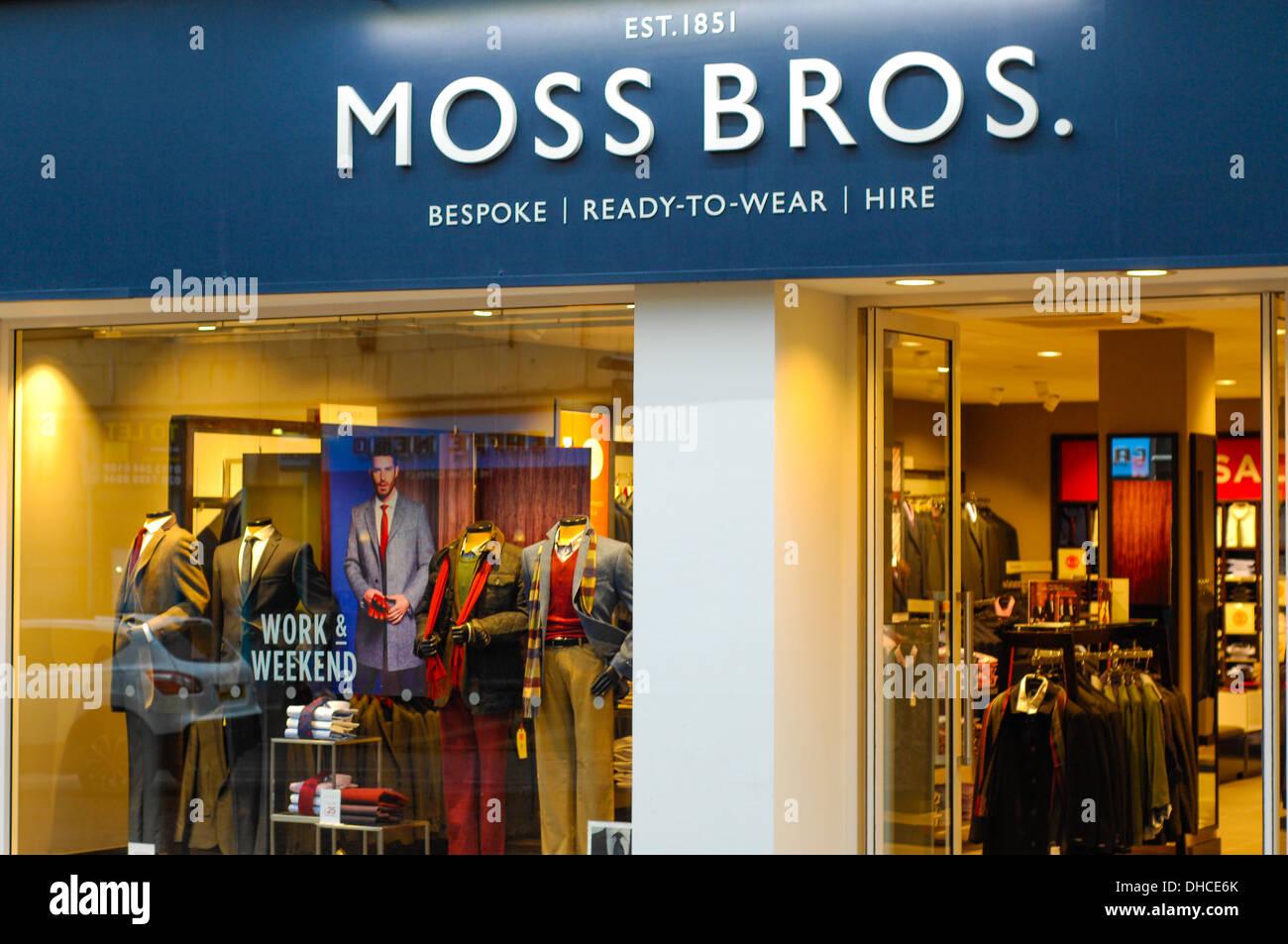 Moss Bros Herrenmode shop Stockfoto