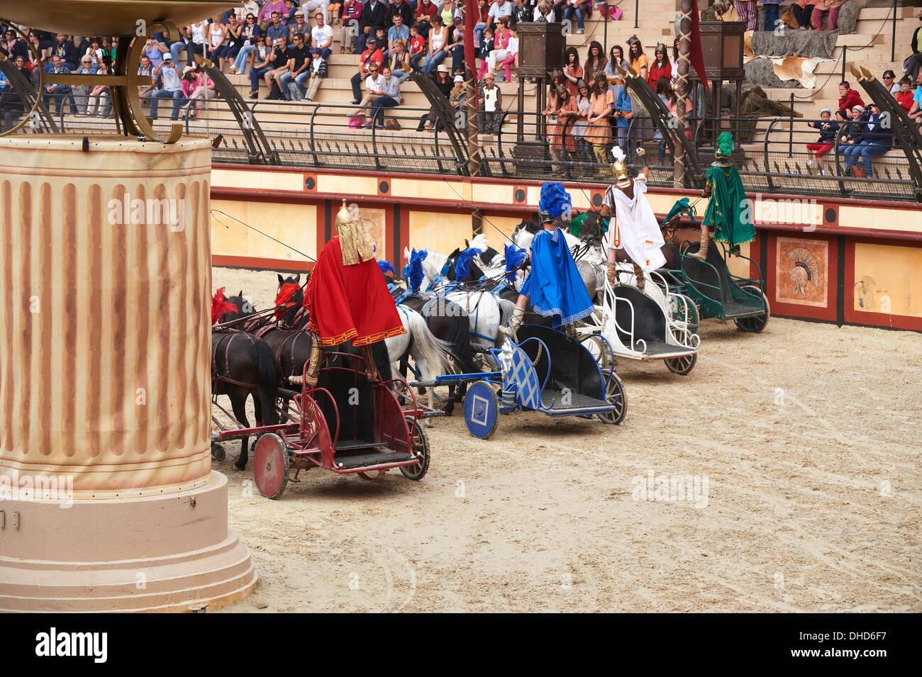 Roman Chariot Race Stockfotos Bilder Alamy Selis Electric Wheel Chair Rmisches Wagenrennen In Puy Du Fou Frankreich Stockbild